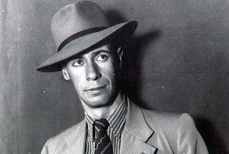 Лев Кассиль - биография писателя.