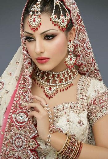Свадебные платья разных народов и культур 8