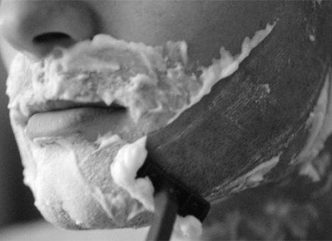 5 странных смертей от... бритья