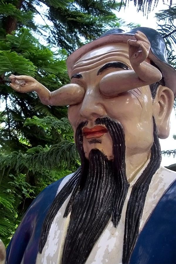 Самые абсурдные скульптуры в мире 13