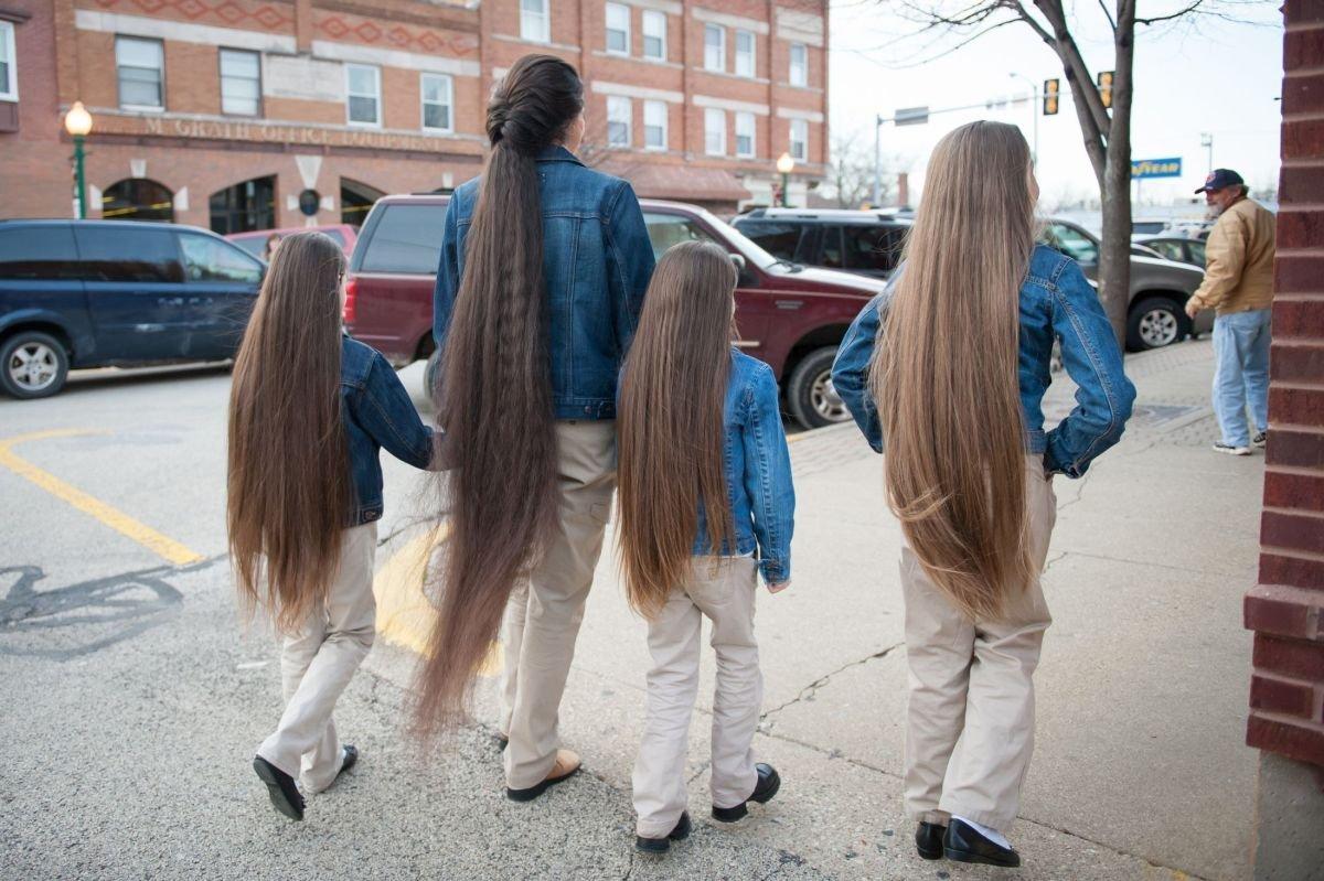Самая длинноволосая семья в мире 7