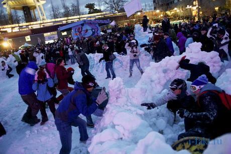 Мировой рекорд по игре в снежки