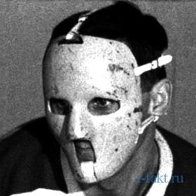 Первая маска вратаря