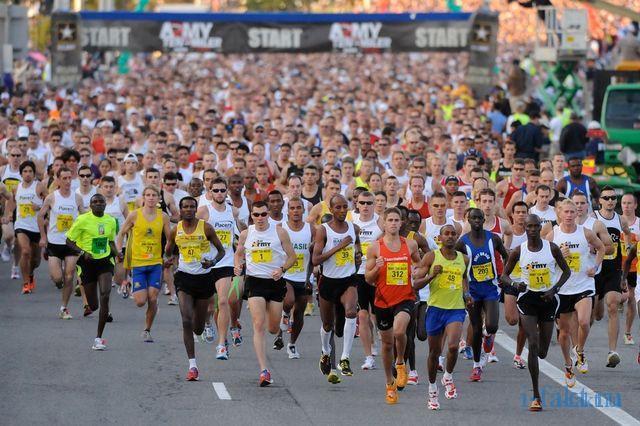 Почему спортсмены бегут марафон