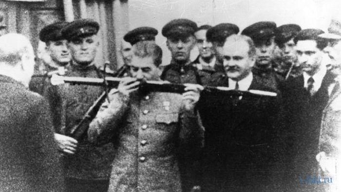 Меч подарили Сталину