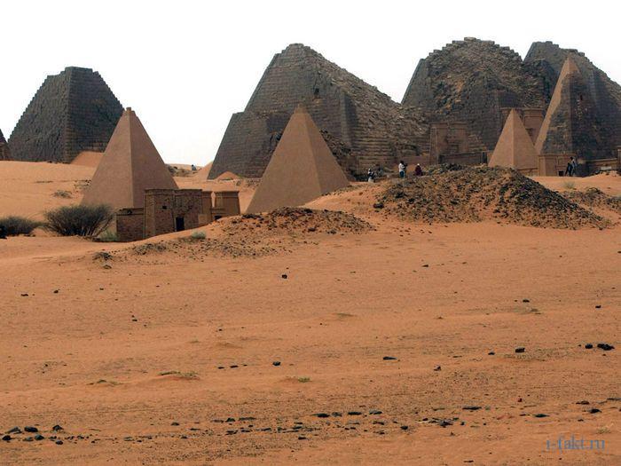 Многочесленные пирамиды Мерое