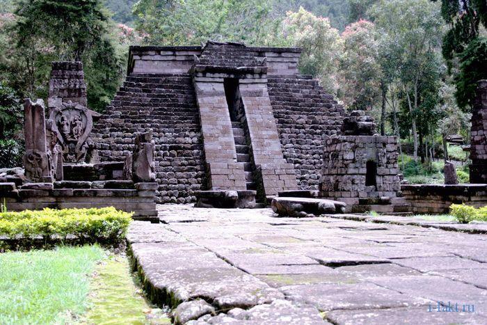 Пирамиды Индонезии