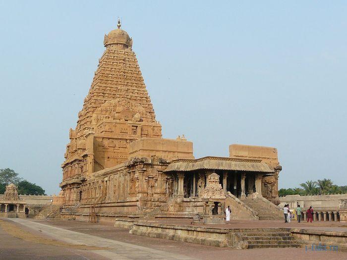 Пирамида Брихадешвара в Индии