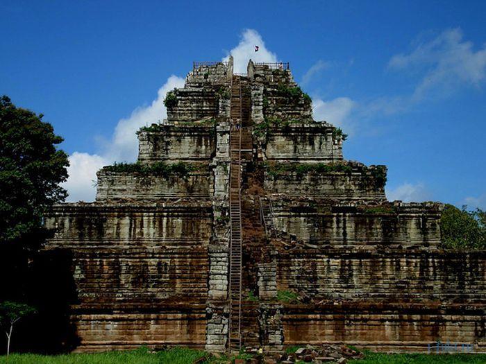 Пирамиды Камбоджи