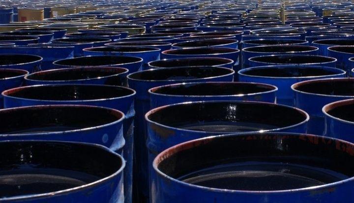 Почему нефть в барелях