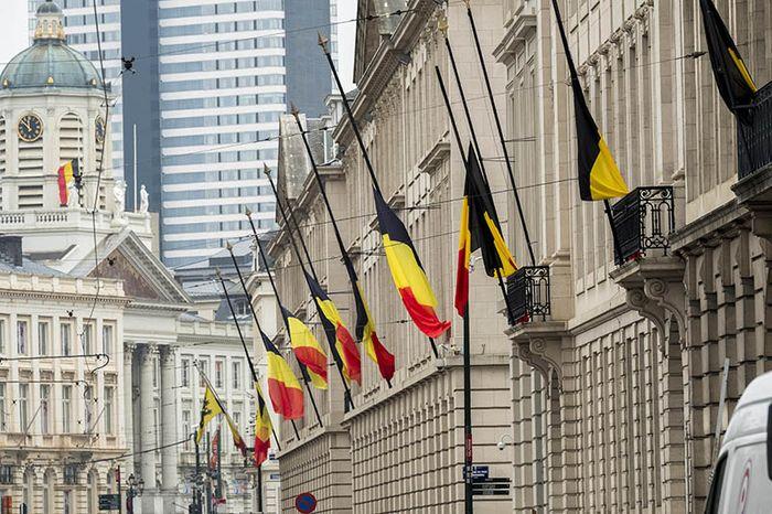 Приспущенные флаги в Бельгии после террактов в Брюсселе