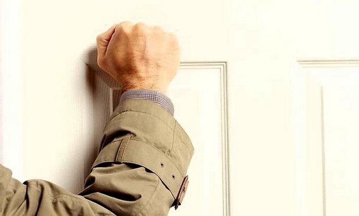 Загадка про стук в дверь