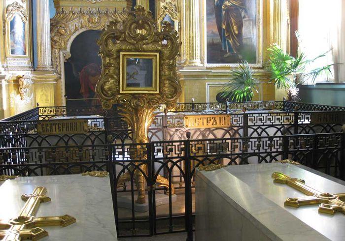 Петр III и Екатерина II надгробие