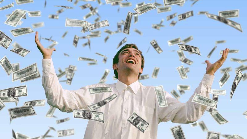 Как тратят деньги победители лотерей