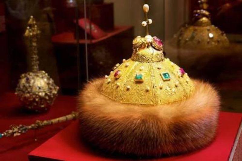 Интересные факты о шапке Мономаха
