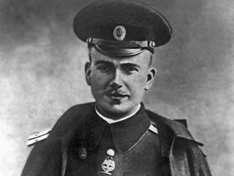Биография Петра Нестерова.