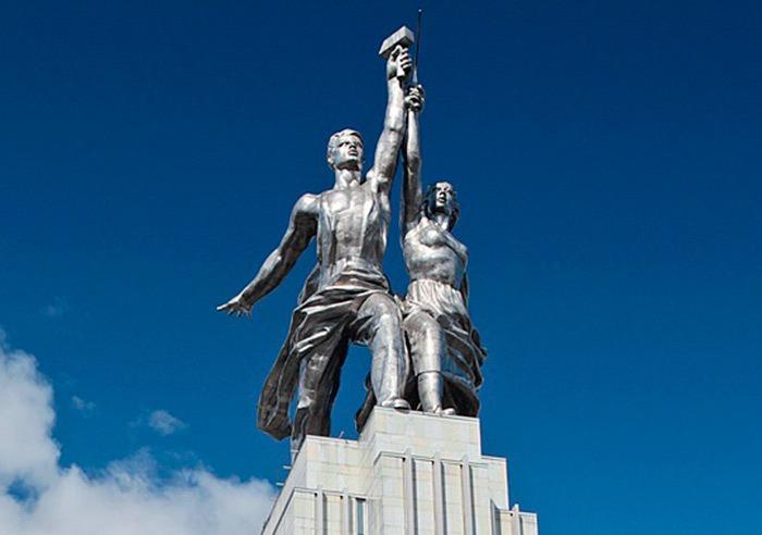 """Интересные факты о монументе """"Рабочий и колхозница"""""""